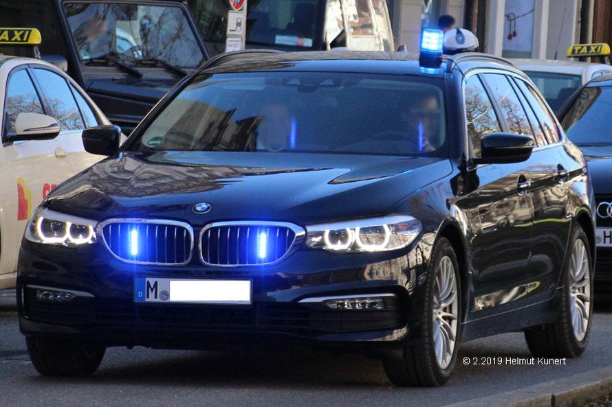 Einer der vielen Zivilen Blaulichtfahrzeuge