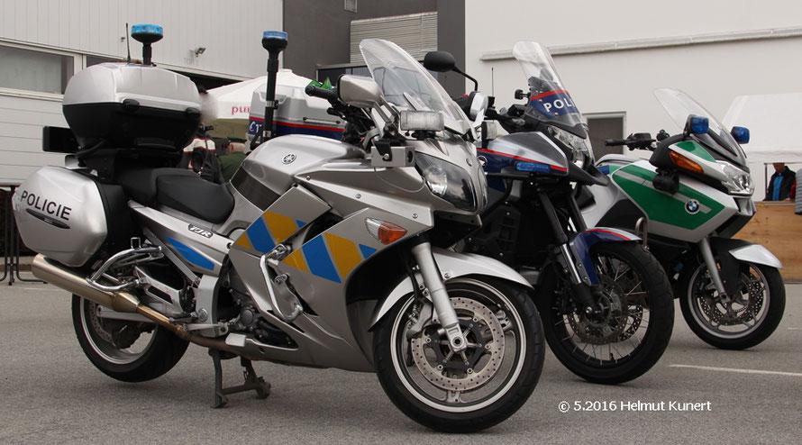 Polizeimotorräder aus Tschechien, Österreich und Bayern.