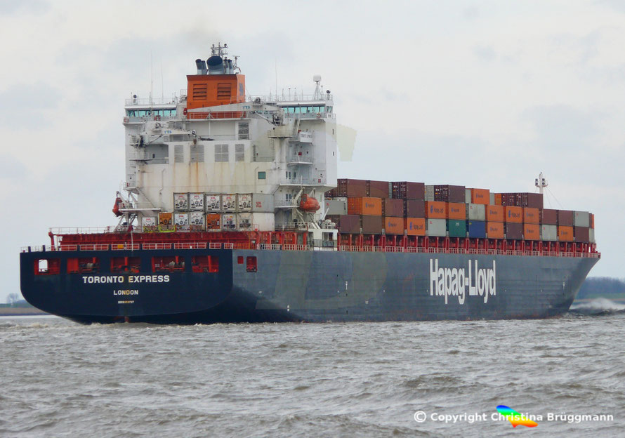 Containerschiff TORONTO EXPRESS,  Elbe  07.04.2015