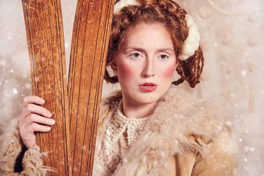 Curvy Model Tessa Schmidt - Winter Folklore - Yvonne Sophie Thöne, Fotografin in Nordhessen