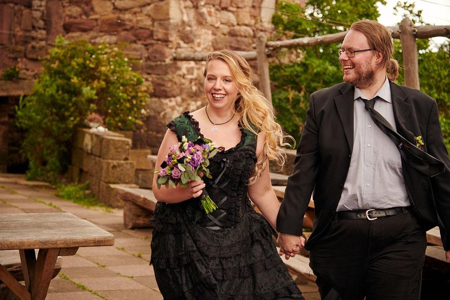 Hochzeitsfotografin in Immenhausen bei Kassel in Nordhessen - spezialisiert auf Vintage-Hochzeit, Cosplay-Hochzeit, Gothic-Hochzeit