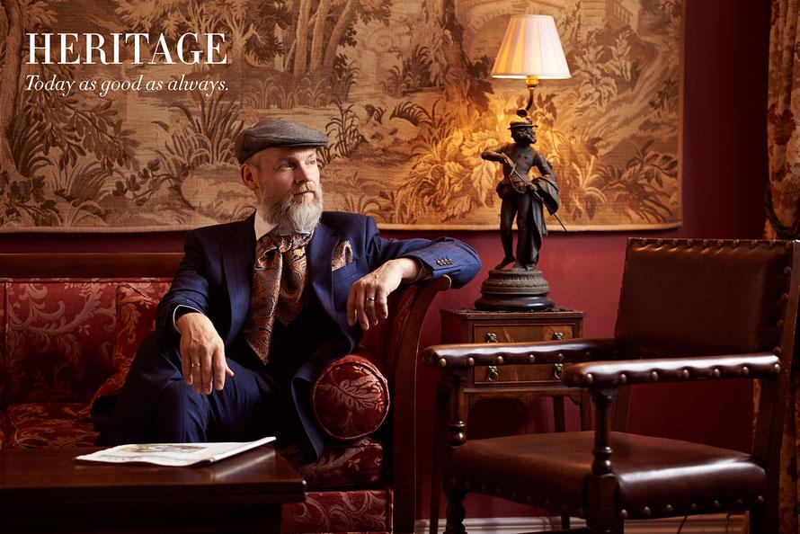 Portraitfotografie für Männer: Gentleman Portrait im englischen Countryhouse, fotografiert von Yvonne Sophie Thöne