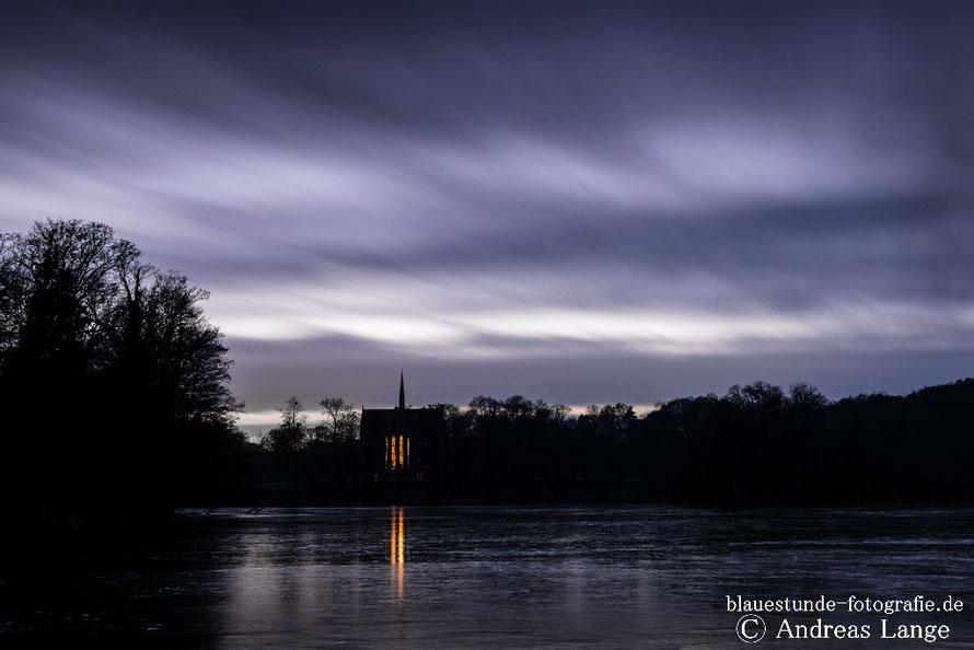 Kloster Chorin im Winter zur blauen Stunde