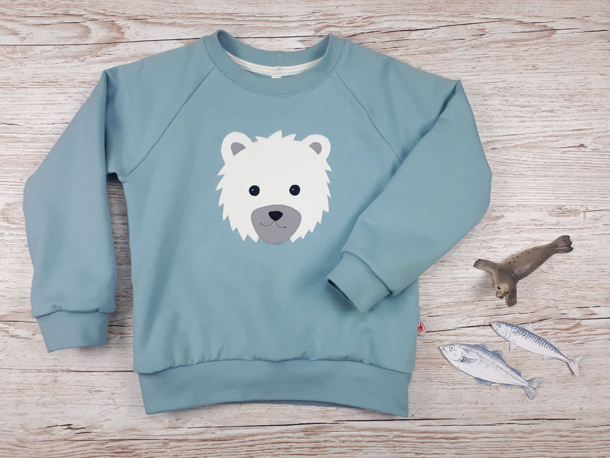 Grüner Kinderpullover mit Eisbär Applikation aus GOTS Baumwolle