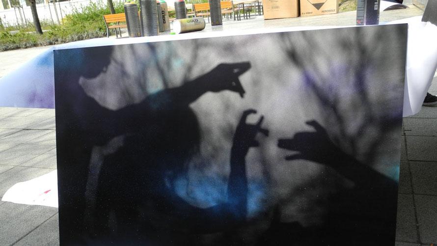 PAT23 Graffiti Workshop Leipzig - Schule Projekttag Leinwand Platten Gestaltung Schablone Schatten Spaß