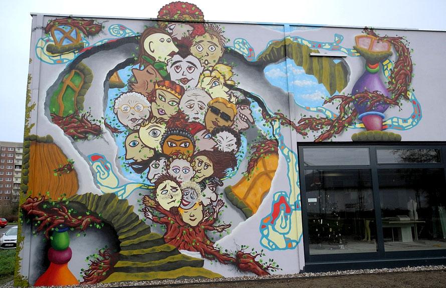 PAT23 - Fassaden Gestaltung Leipzig Grünau - Dreidimensional 3D Ebenen Wandmalerei Plastisch Installationen