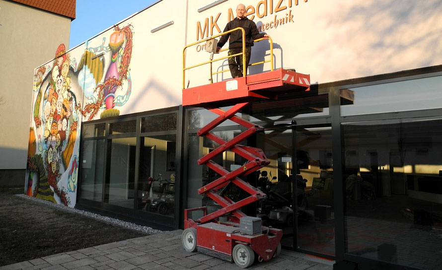 PAT23 - Fassaden Gestaltung Leipzig Grünau - Firmen Logo Dreidimensional 3D Ebenen Wandmalerei Plastisch Installationen