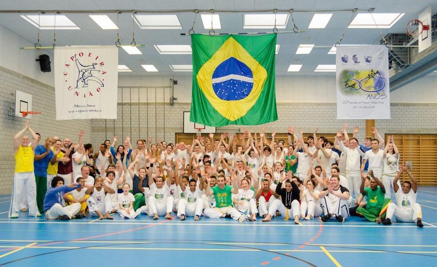 Axé Capoeira União :)