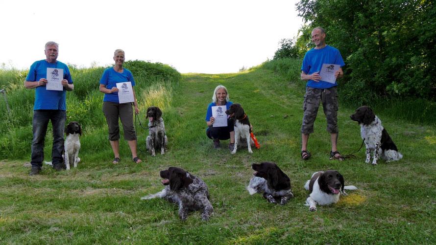 Achter: Hans met Nova; Peggy met Jixer; Heidi met Pluto; Per met Jaco. Voor: Eline, Kilian en Squit.