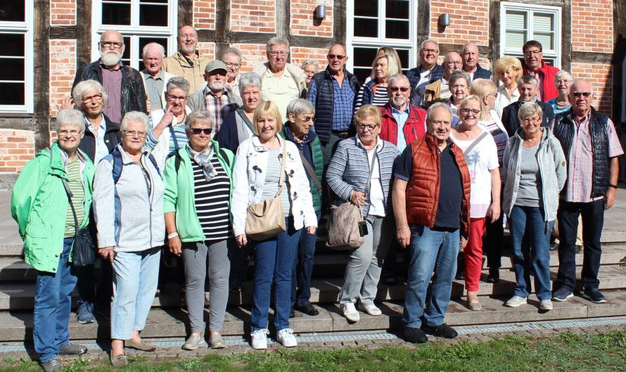 Gruppenfoto im denkmalgeschützten Kloster Dobbertin bei Goldberg - Foto: Bödekker