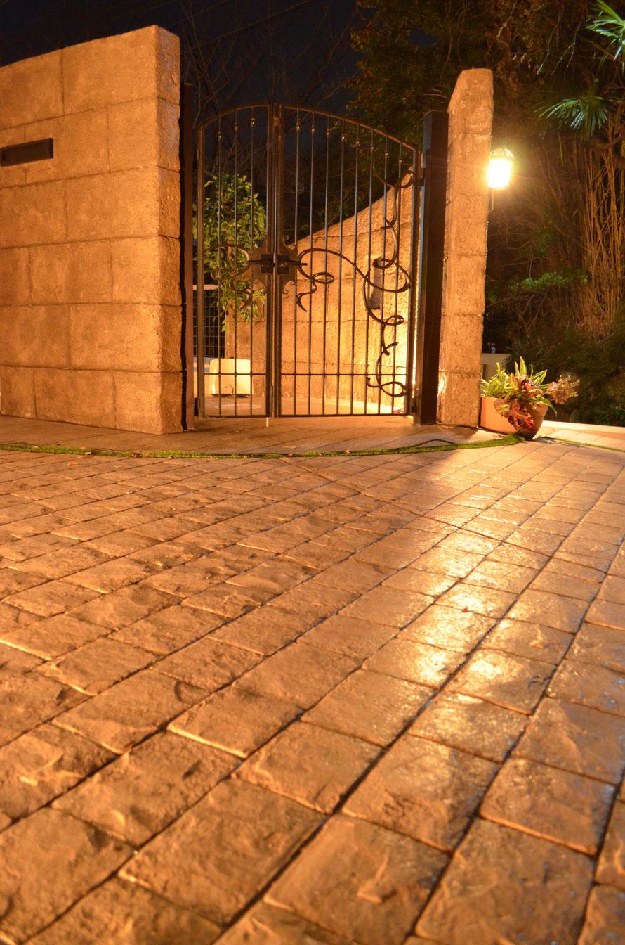 デザインコンクリートとはスタンプコンクリートとはファンタジーコンクリートとはステンシルコンクリートとはモルタル造形マット