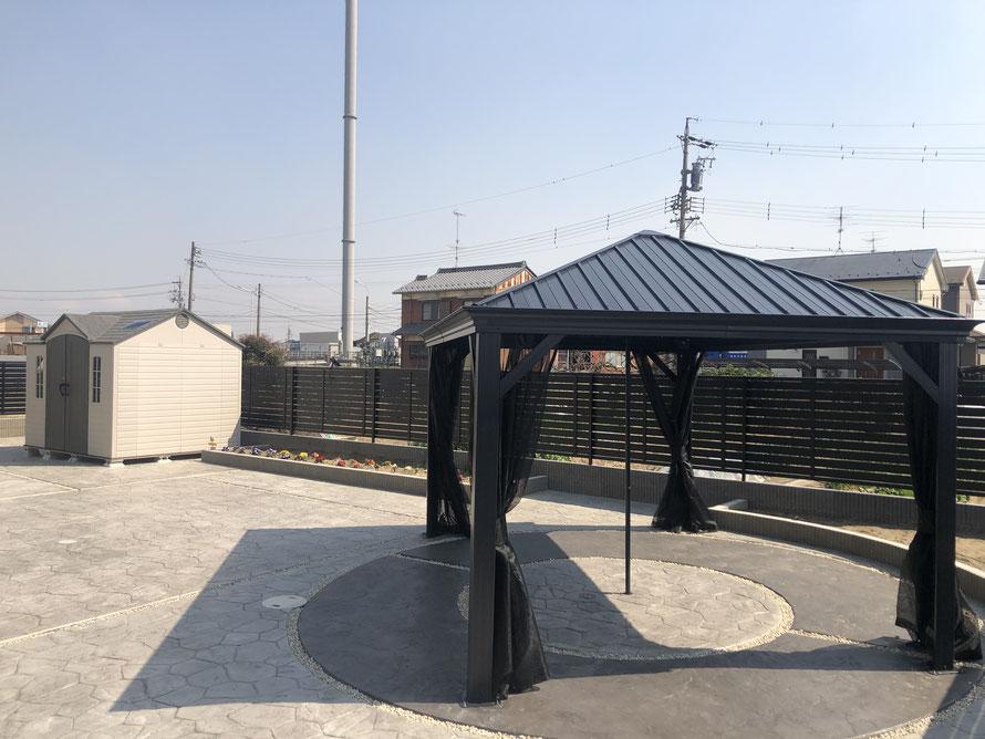 コストコ こすとこ 物置 パーゴラ 藤棚 ガレージ 家 ケター バイク 庭 外構 スタンプ コンクリート デザイン