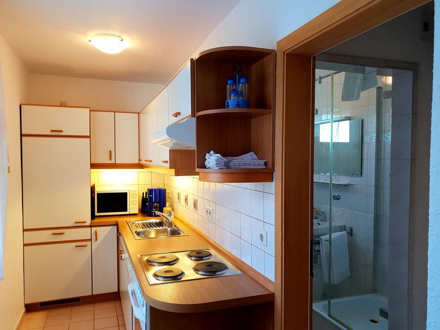 Bild: Küche Fewo 3 im Haus Melanie in Hagnau am Bodensee mit Seesicht