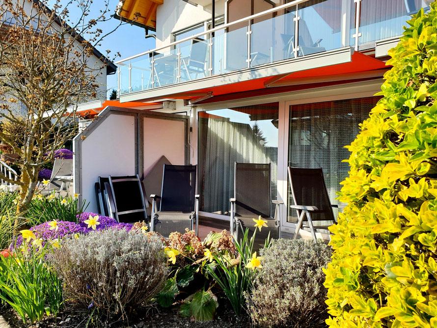 Bild: Garten und Terrasse Fewo 2 im Haus Annette in Hagnau am Bodensee