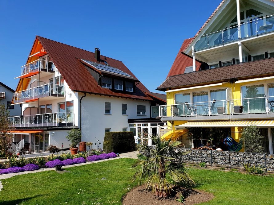 Bild: Haus Annette und Haus Melanie Außenansicht Ferienwohnungen in Hagnau am Bodensee