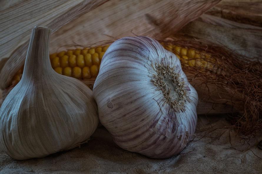 Bodegón Ajos y maiz