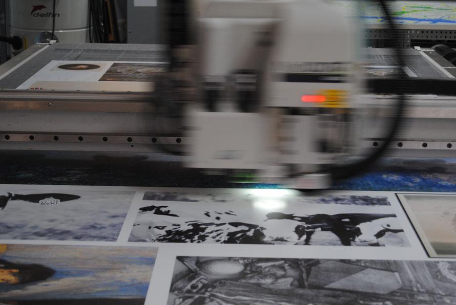 LFP Digitaldruck aus Hamburg. Großformatdruck, Kleinserien, Prototypen, Konturgeschnittene und gefräste Prints bei Cosmocolor.de