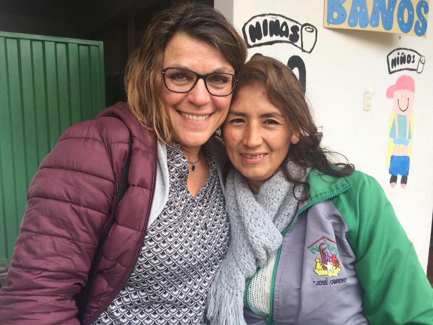 Regina Eckert de Villanueva (links), Fachbereich Freiwilligendienste im Kindermissionswerk ,Die Sternsinger' und Mitbegründerin von MICANTO mit Projektleiterin Dianira Trigoso Vizconde.  Foto: © Regina Eckert / Kindermissionswerk