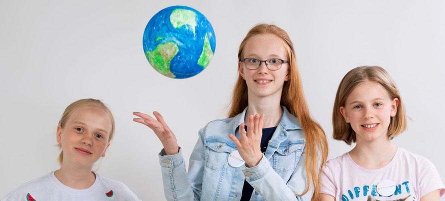 Für den Förderpreis der Stiftung Bildung nominierte Schülerinnen.  (c) Matthias Rietschel