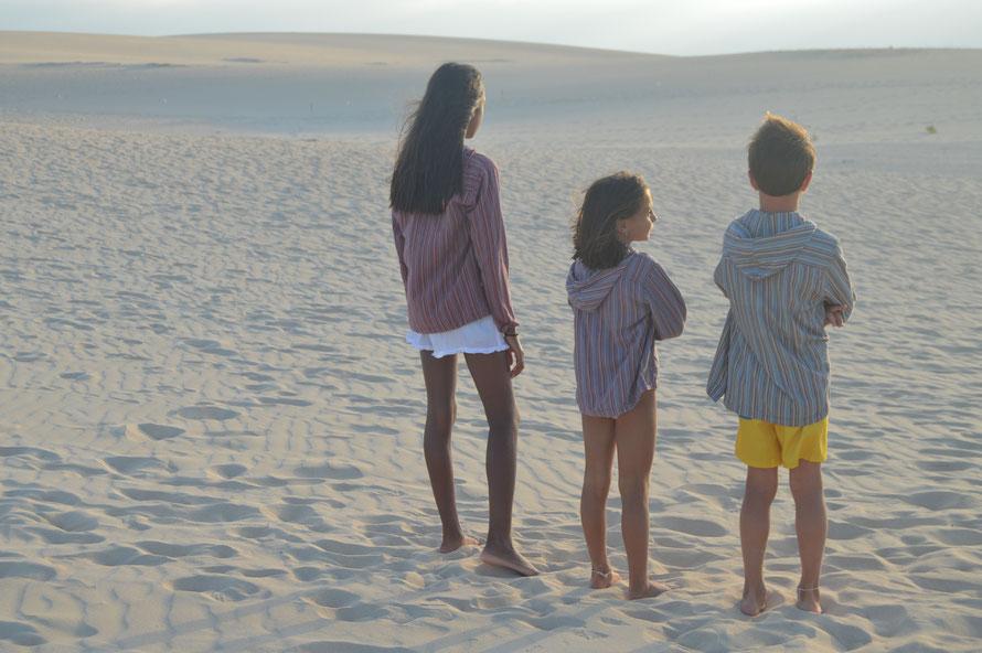 Chilabas de algodón de gran calidad para niños y adultos ideales para cualquier temporada y sobre todo para las tardes de playa cuando empieza a refrescar