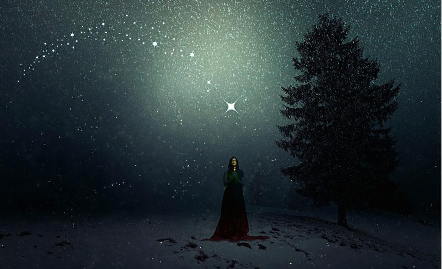frau nachts sternenhimmel, pixabay, bild zu blog zwischen gestern und morgen - ein transformationsprozess