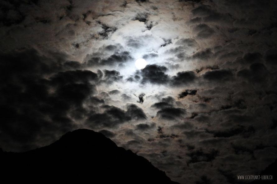 Vollmond, Foto by Lichtpunkt Leben zu Gedicht 'klar'