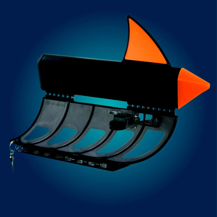 Die markante Finne und die Spitze der Planer sind leuchtend Orange. Selbst in der Dämmerung sieht man seine Topla sehr gut! Ein weiterer Vorteil-auch Segler sehen die Planerboards viel früher und besser.