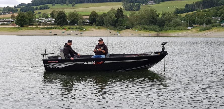 Angeln am Diemelsee in Hessen mit Boot. Marius und Marc auf Stippvisite, es ging auf Hecht, Barsch und Zander