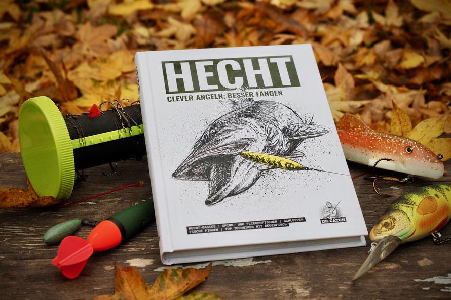 Das neue Buch von Dr. Catch. Auf 256 Seiten erfahren die Leser alles über die Facetten des Hechtangelns. Für Anfänger und Fortgeschrittene sehr lesenswert. Unser Buchtipp zu Weihnachten für alle Raubfisch-Freunde. Tight Lines