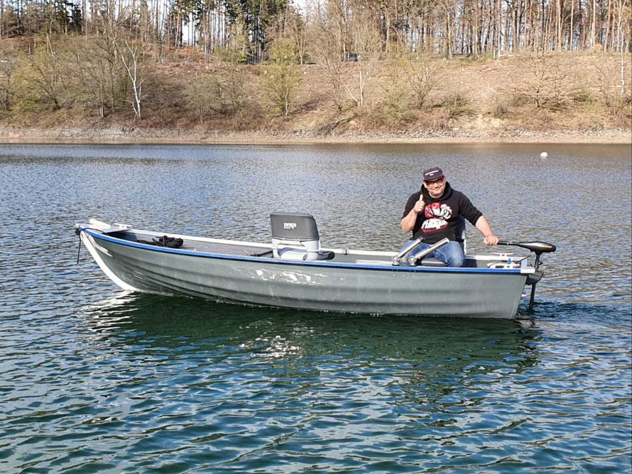 """Die """"Linda"""" ist im Wasser! Die erste Ausfahrt ist positiv verlaufen! Gute Fahreigenschaften! Die Gewichtsverteilung passt sehr gut."""