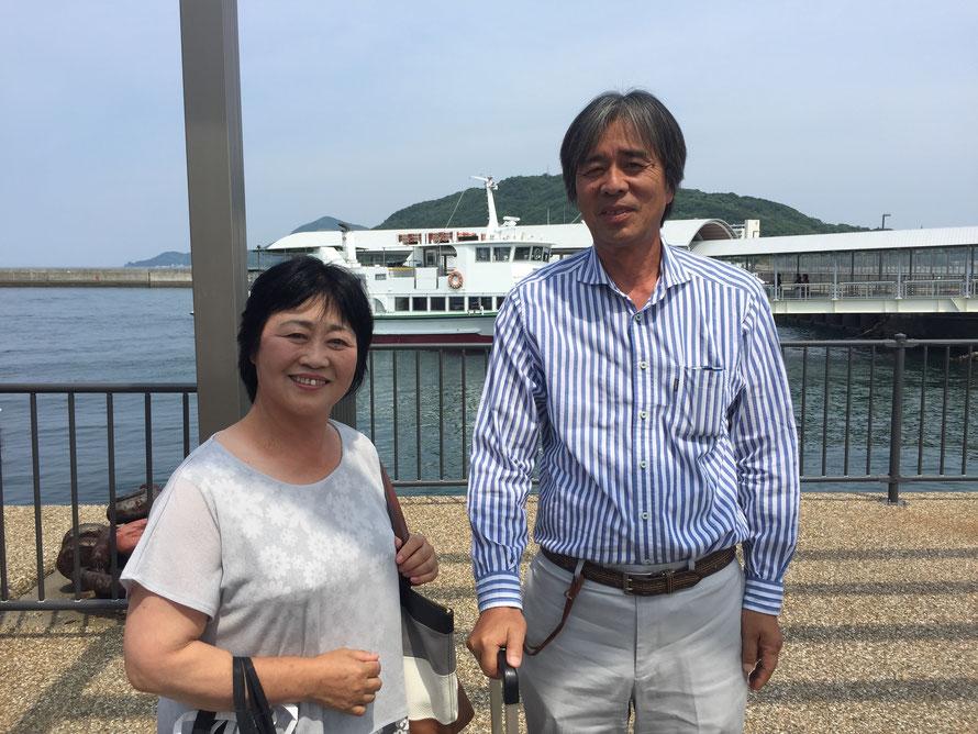 お世話になっている和具町内会長の濱口夫妻。「博さん」「浩代」と呼び合う。