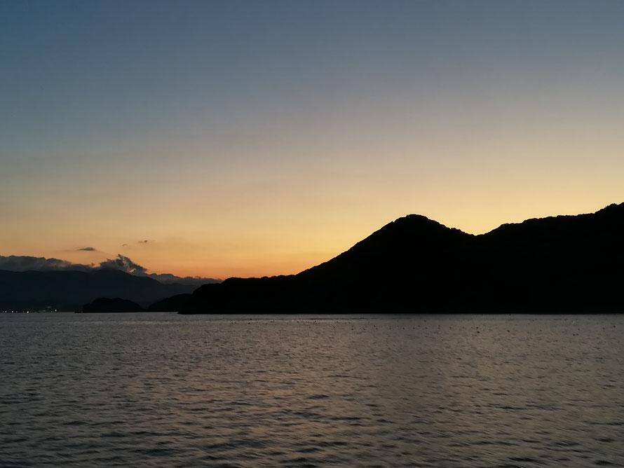 夕方には漁船でのサンセットクルージングを予定しています!