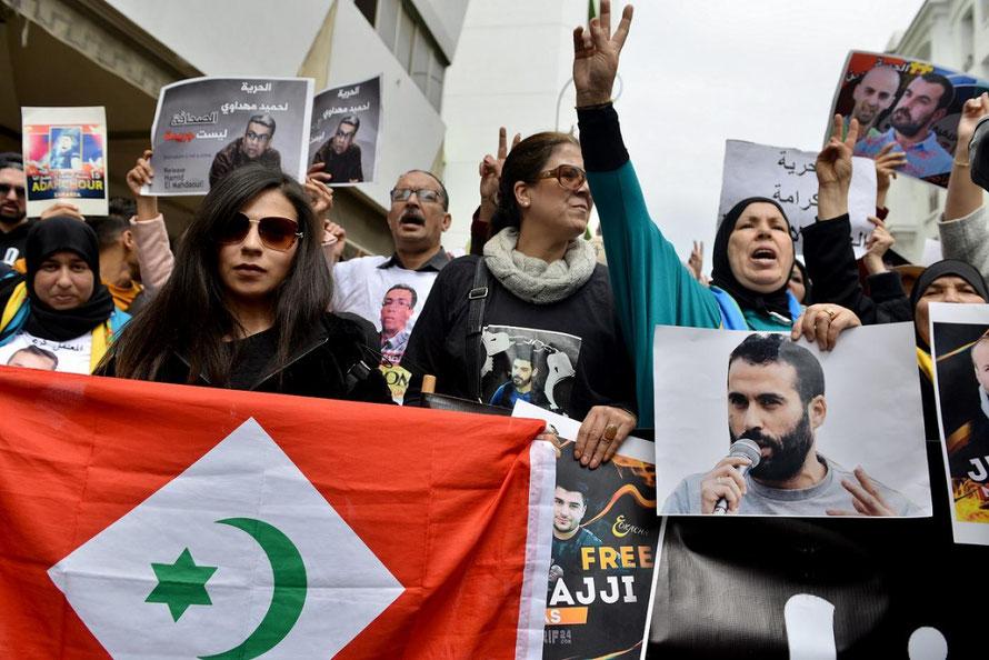 «Vive le peuple», « État corrompu », « Vive le Rif », scandaient ardemment les foules de manifestants qui se sont amassées dans les rues de Rabat, la capitale marocaine