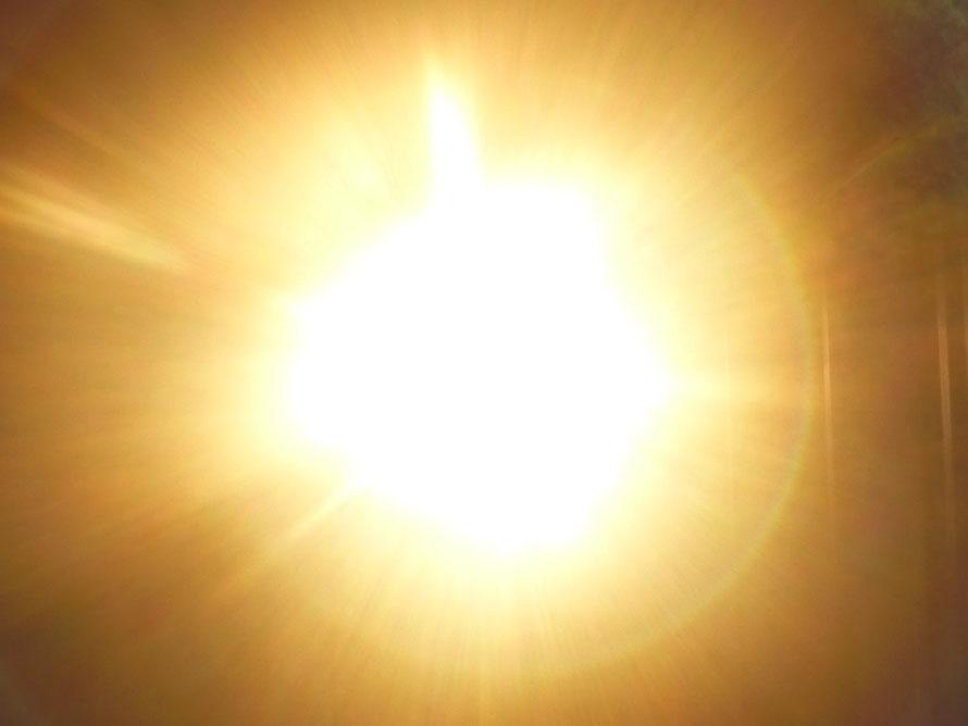 Das Christuslicht er-scheint, Quelle: www.lichtwesenfotografie.com