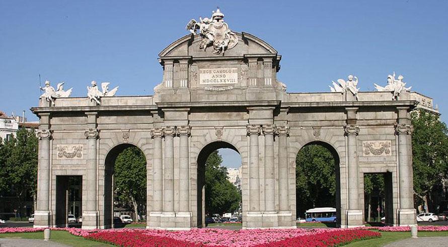 Puerta de Alcalá (foto de Wikipedia)