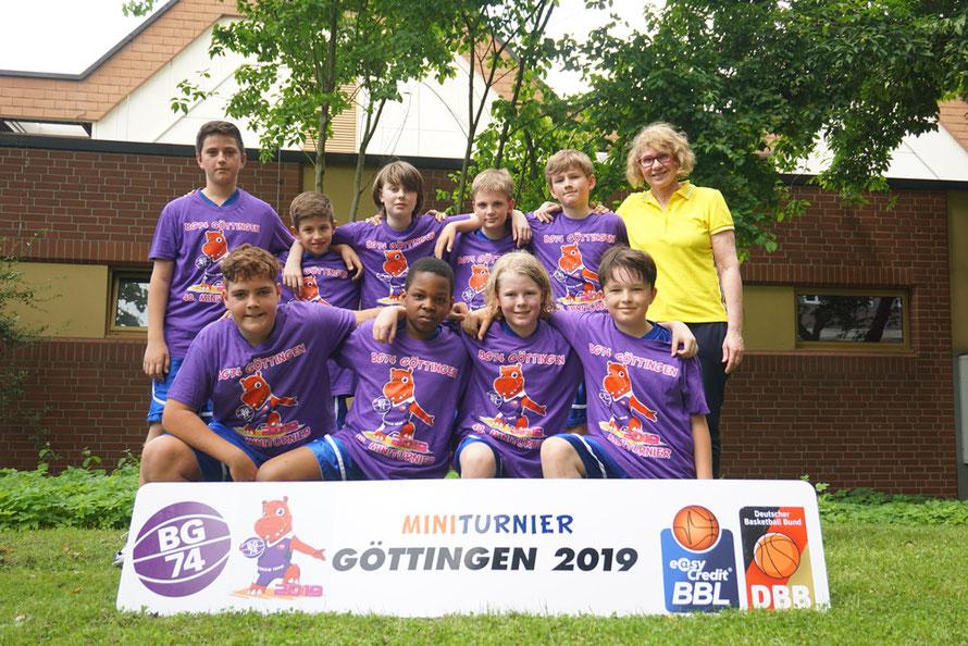 Gruppenbild der U12 des Brander TV Aachen beim Miniturnier in Göttingen