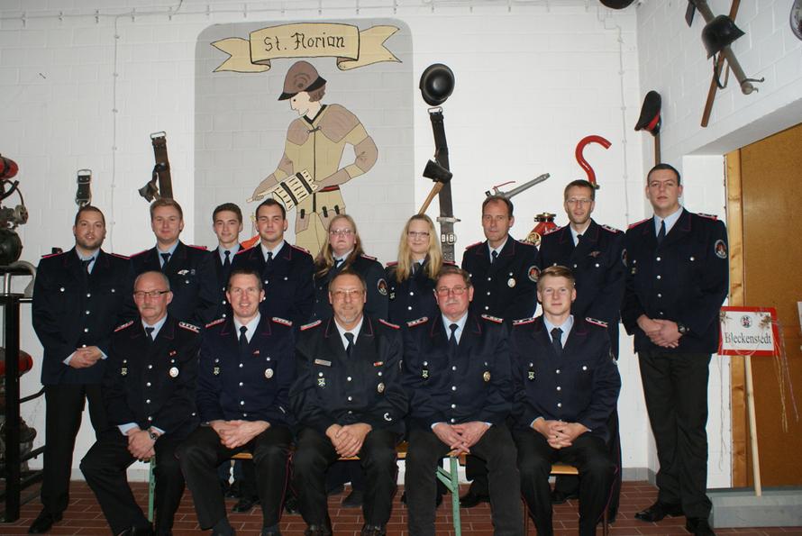Gruppenfoto der Feuerwehr Bleckenstedt aus dem Jahr 2015