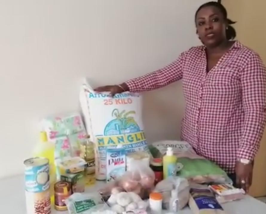 Petra Pinas, Leiterin des Allgemeinen Sozialdienstes der Herrnhuther Brüdergemeine in Suriname, spricht über das Nothilfeprojekt der Kirche. Die Kirche wird 600 Lebensmittelpakete an finanziell schwache Familien verteilen. Foto:: Screenshot