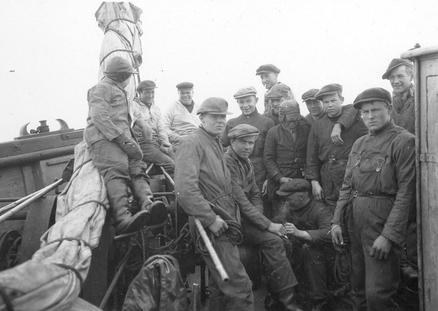 "The crew of the Norwegian sealer ""Polarbjørns"" in 1931 taken by Norwegian zoologist Per Høst (1907-1971). (National Archives of Norway https://m.flickr.com/#/photos/national_archives_of_norway/5742331378/in/set-72157626768999696/)."