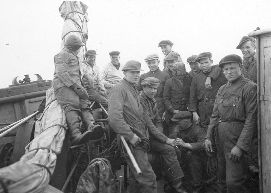 "The crew of the Norwegian sealer ""Polarbjørns"" in 1931 taken by Norwegian zoologist Per Høst (1907-1971). (National Archives of Norway https://m.flickr.com/#/photos/national_archives_of_norway/5742331378/in/set-72157626768999696/)."