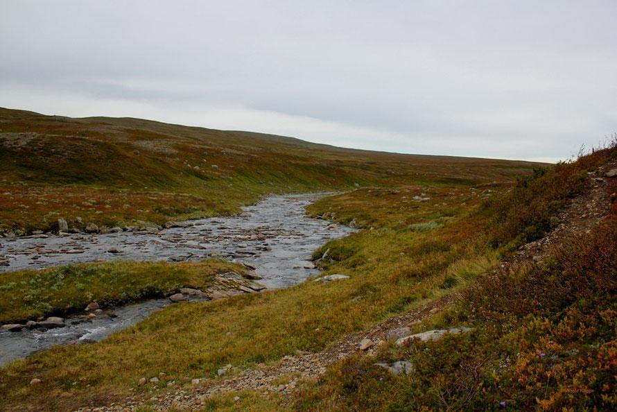 Der Fluss Gåsen. Hier wurde mal wieder eine größere Pause gemacht