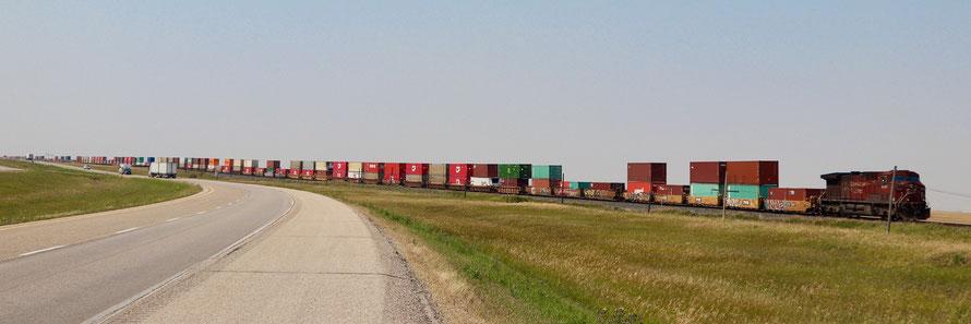 CN Cargo Train 140 Wagons long