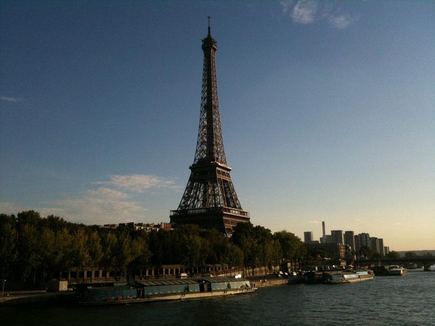 La tour Eiffel Paris France Tourisme spot フランス パリ エッフェル塔 観光名所