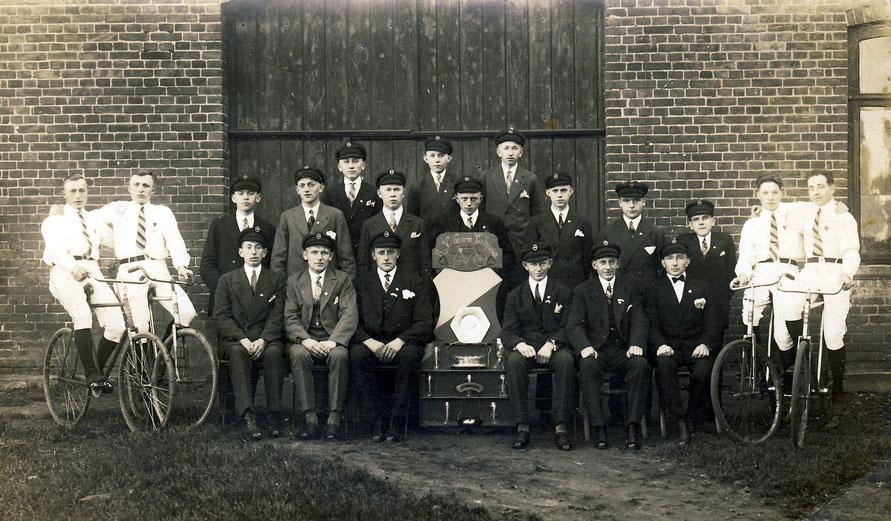 Die Mitgliederdes Vorgängervereins der Lahauser Bühne