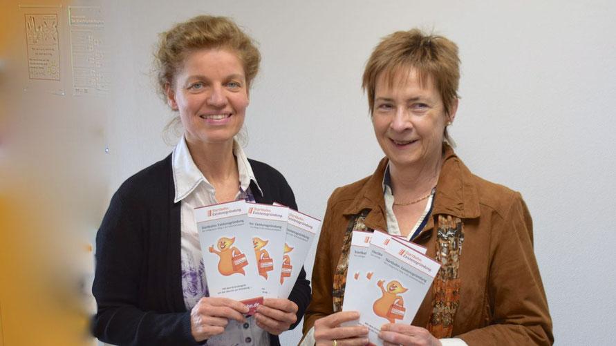 Quickborns Wirtschaftsförderin Maren Rusch und WEP-Prokuristin Gudrun Kellermann hatten das Gründungscamp vorgestellt