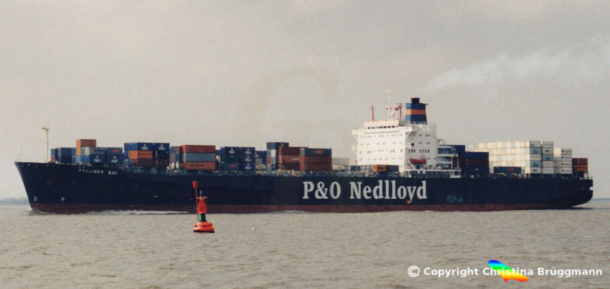 "P&= Nedlloyd Kühlcontainerschiff ""PALLISER BAY"" im Europa-Australien Verkehr  2001"