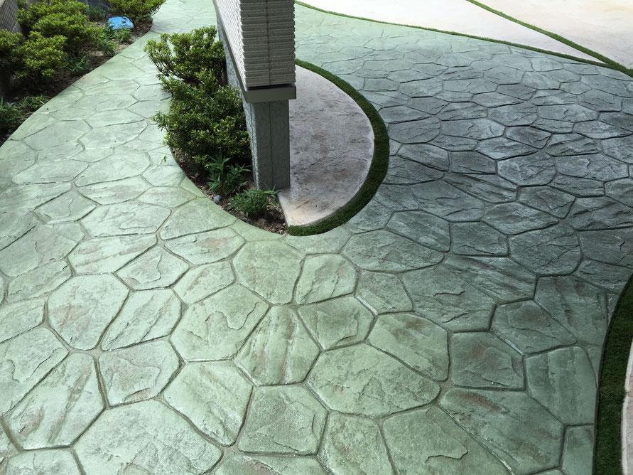 コニファー タフテックス 評判 デザインコンクリート スタンプコンクリート ステンシルコンクリート 庭 外構 画像