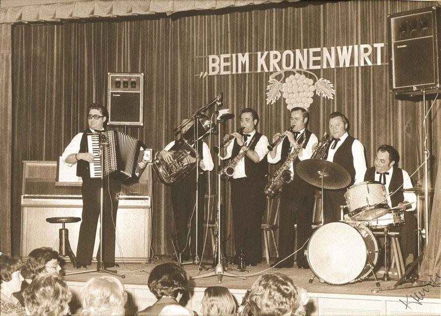 Abb. 17: Die Alfelder Musikanten bei einer nicht näher bezeichneten Veranstaltung mit Ludwig Pfann, Hans Maul, Erwin Söhnlein, Georg Maul, Werner Lämmel und Georg Alfa, Anfang der 1970er Jahre