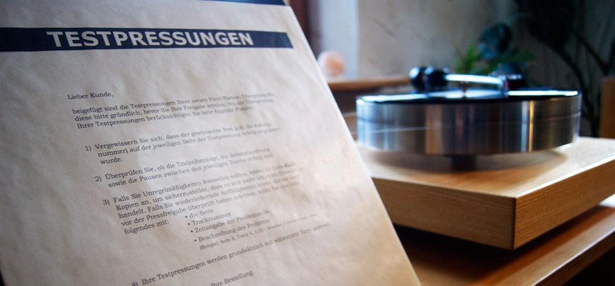 Test-Pressung 2018er Reissue Albert King - Born Under A Bad Sign vor Plattenspieler Laufwerk Verdier