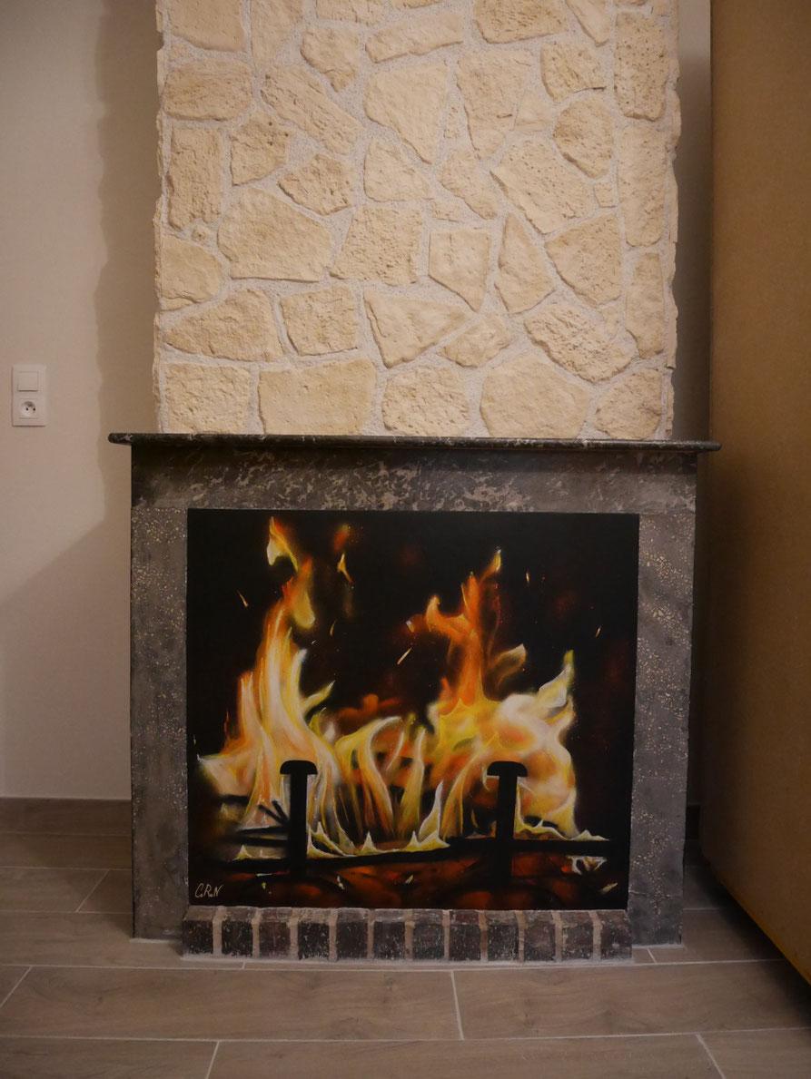 décoration-cheminée-trompe-l'oeil-feu-fresque